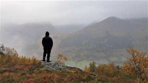 REGN: Regnbyer og skyer vil prege dei komande dagane. – Men har ein gode sko og klede er det ikkje noko i vegen for å ta seg ein tur i fjella, seier vakthavande meteorolog Aslaug Skålevik Valved.