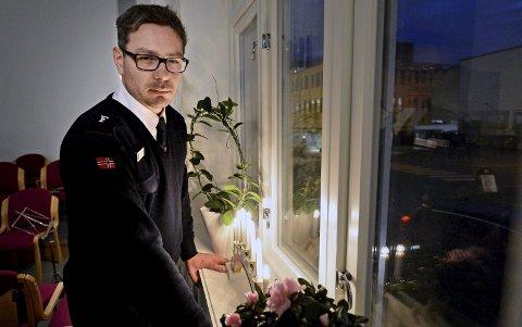 Hjelper mange: Frelsesarmeen og Hilding Runar er en av organisasjonene som besøker ensomme mennesker i julehøytiden. Foto: André Lia