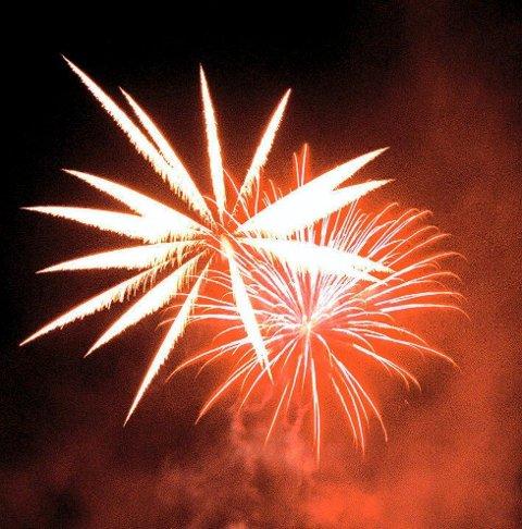 Brannfarlig: Raketter er årsak til mange branner hvert år.