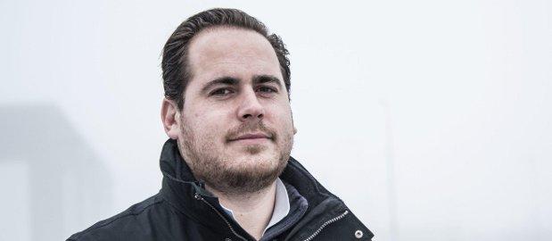Var heldig: Christoffer Johansen lekte seg med fyrverkeri da han var 15 år. Det kunne kostet ham synet. Nå er han takknemlig for at det gikk så bra som det gjorde. foto: Geir a: CARLSSON