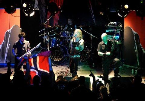 KANDIDAT 3: Kampfar. Norsk pagan/black metal-band som ble startet så langt tilbake som 1994. Bandet er opprinnelig fra Fredrikstad og står bak åtte plateutgivelser. Kampfars nyeste album, «Djevelmakt», ble utgitt i januar 2014.