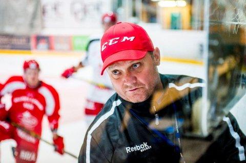 KREVENDE: Stjernen-trener Magnus Sundquist har lagt et par krevende døgn bak seg, men tror laget og klubben står styrket tilbake etter siste døgns hendelser.