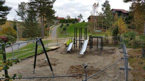 EN AV FLERE: Her blir det ny lekeplass i Karjolveien på Ambjørnrød.