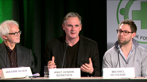 DEBATT: Jan Erik Olsen fra Fredrikstad kommune, Knut Henrik Berntsen fra UDI og Michael Petterøe fra Veumalléen asylmottak under paneldebatten.
