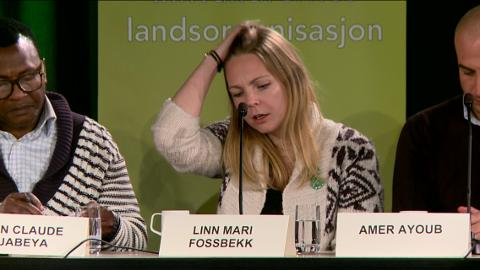 ENGASJERTE: Jean Claude Luabeya og Linn Mari Fossbekk under debatten. (Foto: Erik Hagen)