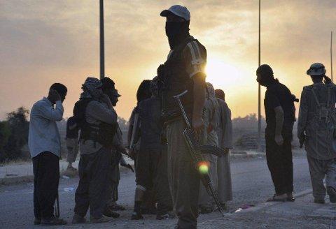 SYRIAFARER: En 23-åring fra Fredrikstad er varetektsfengslet for nye fire uker, mistenkt for å ha kontakt med terrorvirksomhet i Syria.