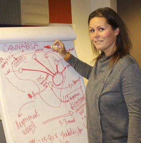 Kurs: Marianne Otterstad Næss holder cannabisavvenningskurs.