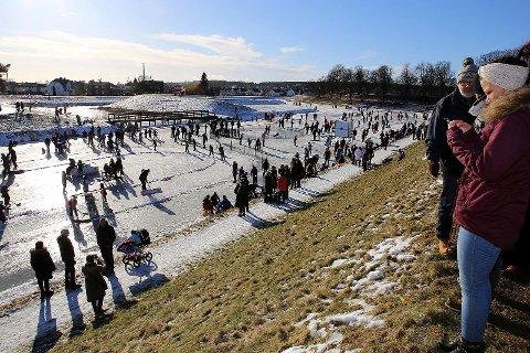 Ny folkefest: Det blir en ny utgave av «Vollgravene Winter Classic» denne vinteren. (Foto: Harry Johansson)