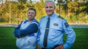 Trond Henriksen har møtt fengselsdirektør Are Høidal som gjenganger innenfor murene. Dette kan de nå se tilbake på mens de diskuterer kriminalpolitikk.