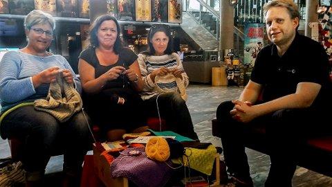 Arrangerer sammen: Bodil Ersland Wiersholm, Kristin Ålerød og Angela Andersen og Jørgen Søderberg Jansen inviterer til byens tredje strikkekinofestival i mars.