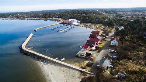 Regjeringen åpner opp for normal hyttetrafikk til Hvaler (her Brattestø) og andre norske kommuner.
