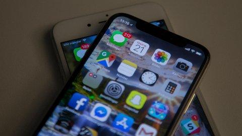 VESENTLIGE ENDRINGER: iPhone X er den første modellen fra Apple på mange år som har vesentlige designendringer - og den første med OLED-skjerm.