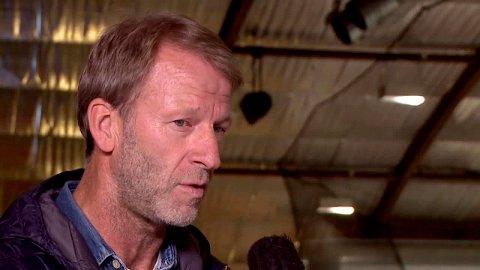 VENTER: Rune Gulliksen regner med at en ny center vil være på plass før seriestart.