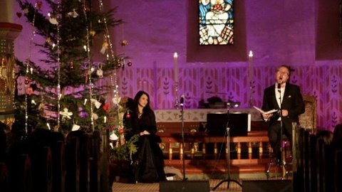 Hektiske dager: Cathrine Iversen skal ha unna tv-innspilling før hun tar en kirketrippel med Alexander Hermansen