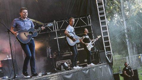 Publikum sang med på alle sangene til Postgirobygget da de entret scenen. Det var ingen tvil om at publikum koste seg.