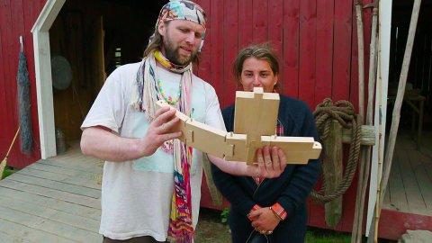 Aune Sand rørte storbonde Erlend EliasBragstad med teksten han hadde skåret inn i smørformen.