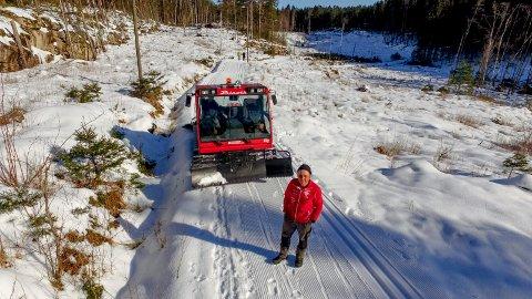 IVRIG: Knut Norum lager gjerne skispor i Fredrikstadmarka, men til det nye skianlegget på Veum må klubben ha en ny løypemaskin.