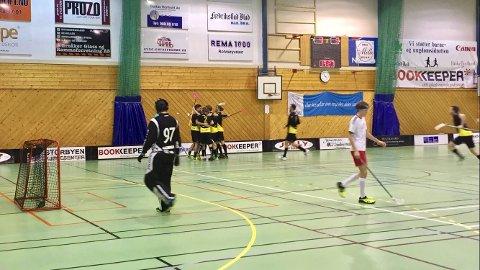 BITTERT: Det ble et bittert tap for FIBK hjemme mot Sandnes. Med seier kunne de vært godt på vei mot et sluttspill.