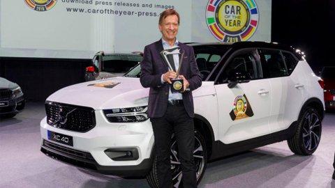 """En stolt konsernsjef, Håkan Samuelsson mottar """"Årets bil-prisen"""" på vegne av XC40, og blir selv dagen etter tildelt tittelen 2018 World Car Person of the Year."""