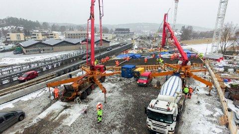 Ny innfartsåre til Fredrikstad, betongstøping. Seut Mosseveien rv 110 innfartsåra Ørebekk veiutbygging