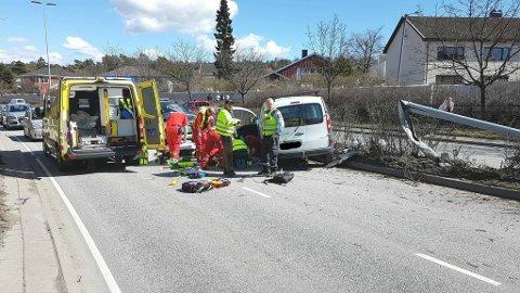 SKADET: En person er skadet i ulykken på Rolvsøyveien onsdag ettermiddag.