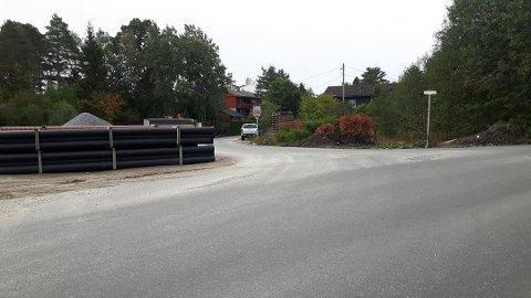 BOM STOPP FOR BILER: Når bomringen kommer til høsten, er det bom stopp for alt annet enn busser og utrykningskjøretøy her.