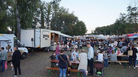 FRA POLEN TIL NORGE: Folkene bak Street Food Norway kan fortelle at de i mange år har arrangert matvognfestivaler i Polen, der dette bildet er hentet fra. Nå planlegger de festival i Fredrikstad til sommeren.
