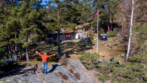 """Avhengig: Berit Røed på hytta """"Redet"""". - Jeg er så glad i dette stedet, og er helt avhengig av å ha alenetid her, sier hun."""