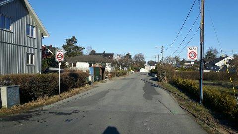 Rehabiliteres: Det blir stengte veier og omkjøring mens det legges ny asfalt blant annet her i Sandbækveien.