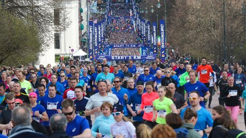 POPULÆRT: Tusener av løpere er med i mosjonsløpet Sentrumsløpet som blir løpt i Oslos gater. Foto: Vidar Ruud (NTB scanpix)