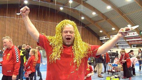 GULLHÅR: Slik feiret Christer Karlsson opprykket med FBK i sitt andre år i klubben. Hans absolutte høydepunkt.