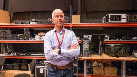 Administrerende direktør Thor Gjerløw tar med sine omlag 65 ansatte ut på flyttefot om halvannet år. Da skal de inn i mer tilpassede lokaler enn dagens store industribygg i Habornveien.