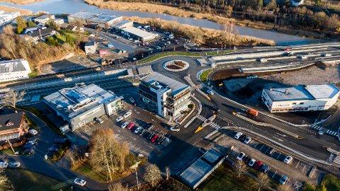 Arbeidene er ferdige og veien tatt i bruk, men de økonomiske utfordringene er gedigne etter utbyggingsprosjektet ved Ørebekk.