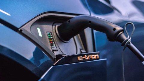 Rekkevidde og strømforbruk er viktige elbil-begreper. Nå har Tyske ADAC målt forbruket på 15 elbiler. Illustrasjonsbilde.