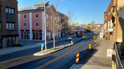 Toveistrafikk: Farmannsgate har nå vanlig trafikk frem til mai. Da blir det en ny stenging for stenlegging og asfaltering.