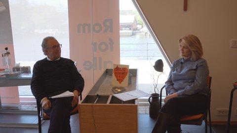 Samtale. Svein Helge Rødahl leder denne utgaven av «På livet løs». Monica Leander er kveldens gjest.