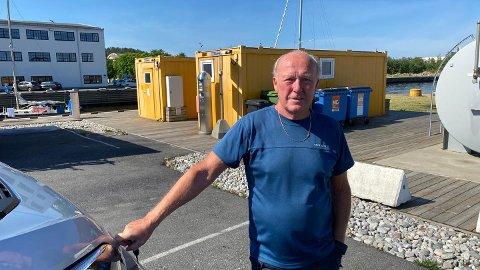Jon Berge (72) fra Horten. Vi betaler full pris og jeg mener at det ikke er nødvendig å skylle på covide lenger. Det er jo bare å gjøre rent.
