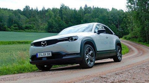 Mazda kommer med en elbil som skiller seg ut fra konkurrentene, både på godt og vondt.