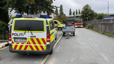 – Det er ingen brann å se, meldte politiet på Twitter da de kom til huset i Sportsveien.