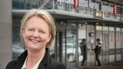 Annette Vanem Jønsson, banksjef i SpareBank 1 Østfold Akershus i Fredrikstad, oppfordrer lokale lag, foreninger og andre ildsjeler til å søke om støtte gjennom bankens gavefond.