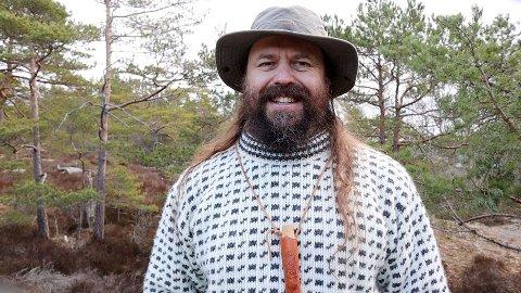 «Gå ut i naturen», lyder vikingserieforfatter Bjørn Andreas Bull-Hansens råd til dem som ønsker å forstå våre vikingforfedre bedre. - I dag er mange redd naturen, eller har et naivt forhold til den, sier han.