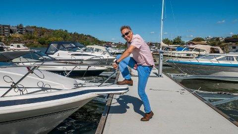 Ordfører Jon-Ivar Nygård har lenge hatt båt i havna på Fjeldberg. Dette bildet er tatt i 2018. Bystyret mente han var inhabil da politikerne skulle diskutere spørsmålet om mudring ved havna.