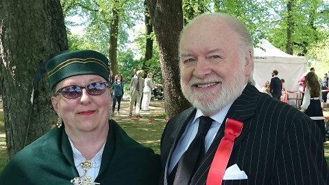 NÆRT OG GODT FORHOLD: Sammen med hoffreporteren og kongehuseksperten Kjell Arne Totland.
