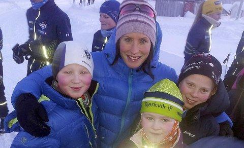 Skistjerna Marit Bjørgen stilte opp sammen med Mathias, Mona og Vegard fra Bjerkvik IF.