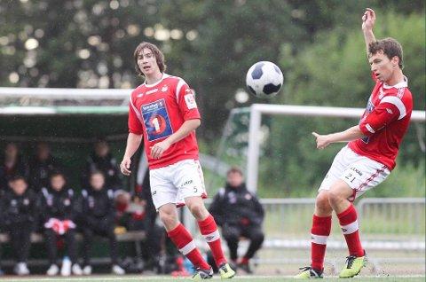 Johnny Villa Nerbø (33) til høyre på bildet, spiller nummer 21. Arkivfoto: Kristoffer Klem Bergersen
