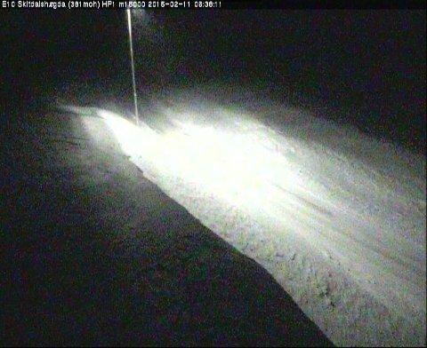 Slik så det ut på Skjitdalshøgda klokken 06.38 onsdag morgen. Foto: Statens vegvesen sitt webkamera