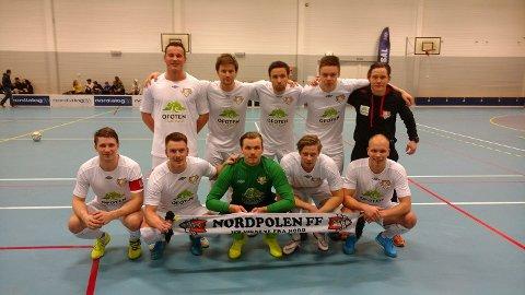 PÅ TOPP: Nå er dette norges beste futsal-lag. Foto: Nordpolen/Facebook.