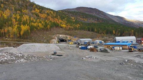 Arbeidene med å bygge om E6 på Saltdal-siden av Tjernfjelltunnelen er i gang. Foto: Erling Hansen, Statens vegvesen.