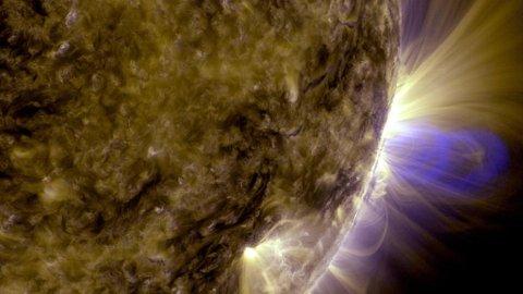 MINDRE MAGNETISME: En periode med mindre magnetisme vil gjøre Sola litt kaldere, men det veier ikke opp for drivhuseffekten. Foto: Ho (AFP)