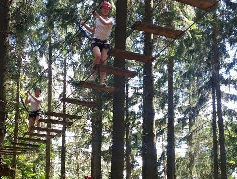 Andrine Kjølstad Arntsen tok utfordringen mange meter over bakken.